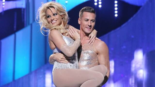 Pamela Anderson Matt Evers Dancing On Ice 2013