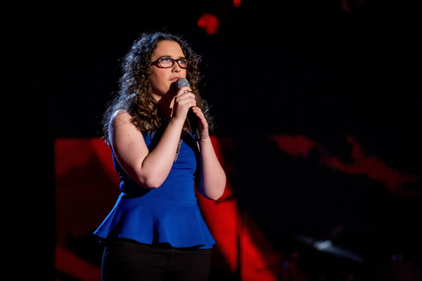 Andrea Begley performs on The Voice 2