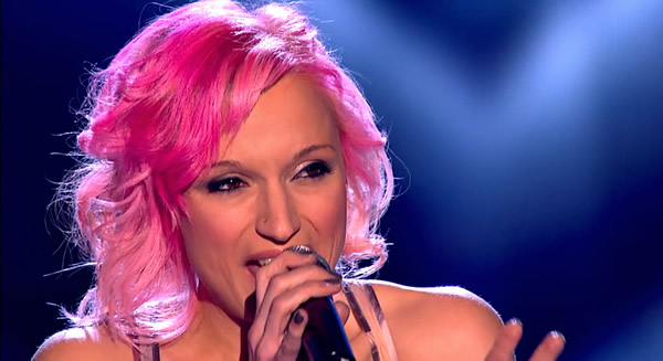 Kirsty Crawford performs on The Voice 2