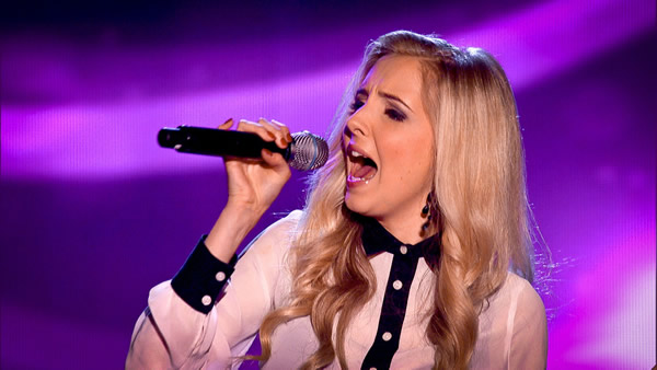 Alice Barlow performs on The Voice 2013