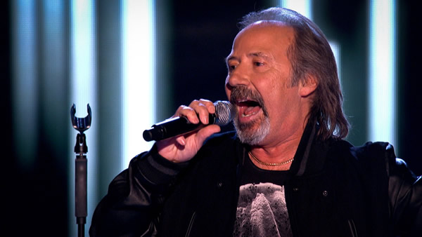 Colin Chisholm performs on The Voice 2013
