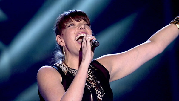 Emma Jade Jackson performs on The Voice 2