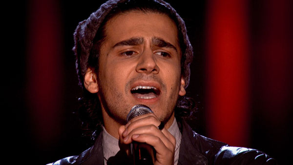 Liam Tamne performs on The Voice 2