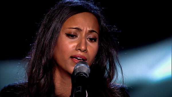 Abi Sampa performs on The Voice 2013