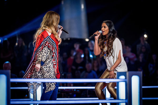 Battle - Abi Sampa v Laura Oakes (Team Danny) The Voice 2013