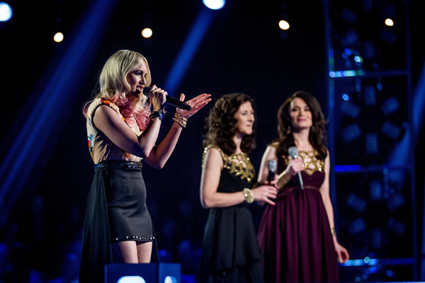 Carla and Barbara v Leanne Jarvis in battle on The Voice in week 7
