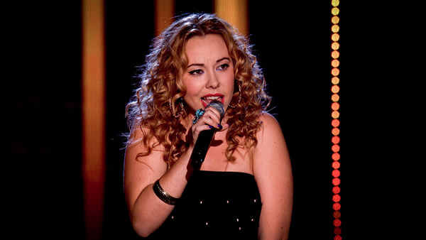 Sophie Mendoza performs on The Voice 2013