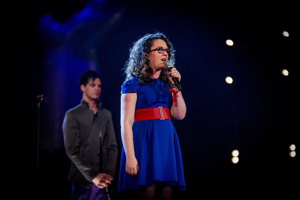 Andrea Begley performs in her Knockout performance in The Voice 2013 Episode 11