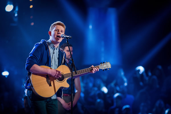 Conor Scott performs in the Knockouts in The Voice 2013 Episode 11