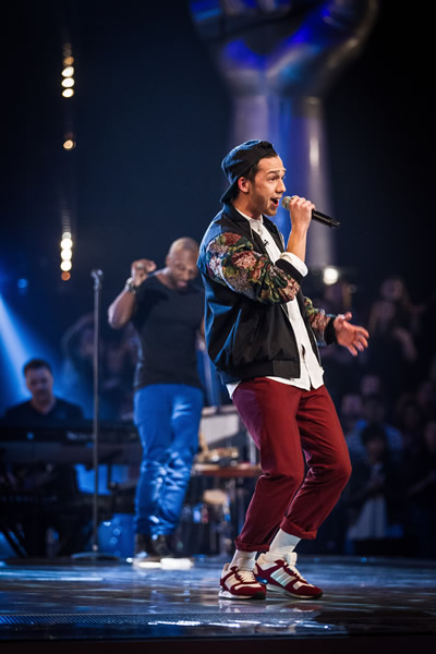 Danny County performs in the Knockout performances in The Voice 2013 Episode 11
