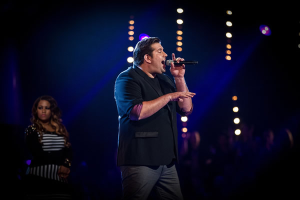 Jamie Bruce performs on The Voice 2013 in the Knockouts
