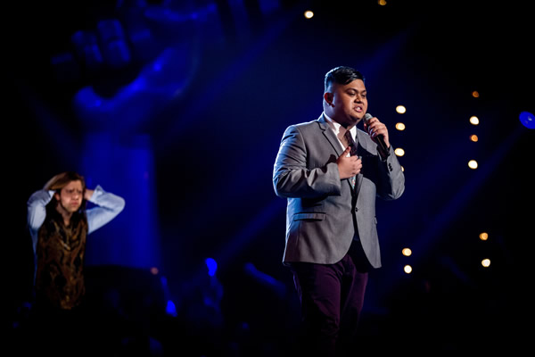 Joseph Apostol performs on The Voice 2013 in the Knockouts