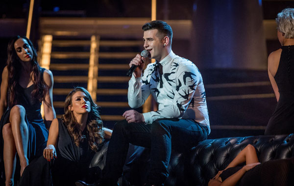 Mike Ward performs in the final of The Voice 2013