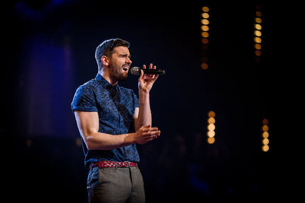 Sean Rumsey performs in the Knockouts in The Voice 2013 Episode 11