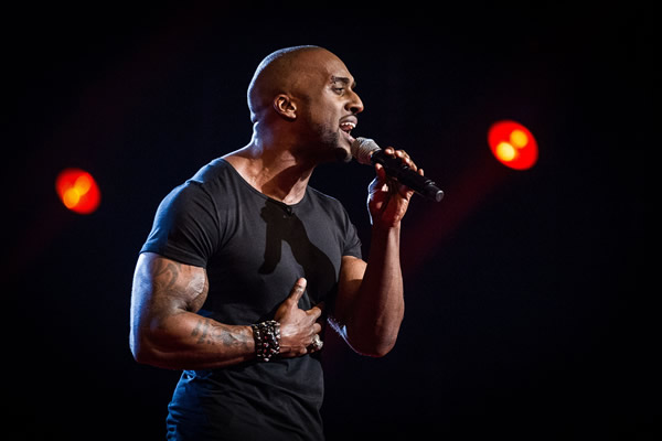 Trevor Francis performing in the Knockouts in The Voice 2013 Episode 11
