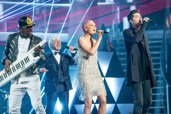 Will.i.am, Tom Jones, Jessie J and Danny O'Donoghue open the final of The Voice Series 2